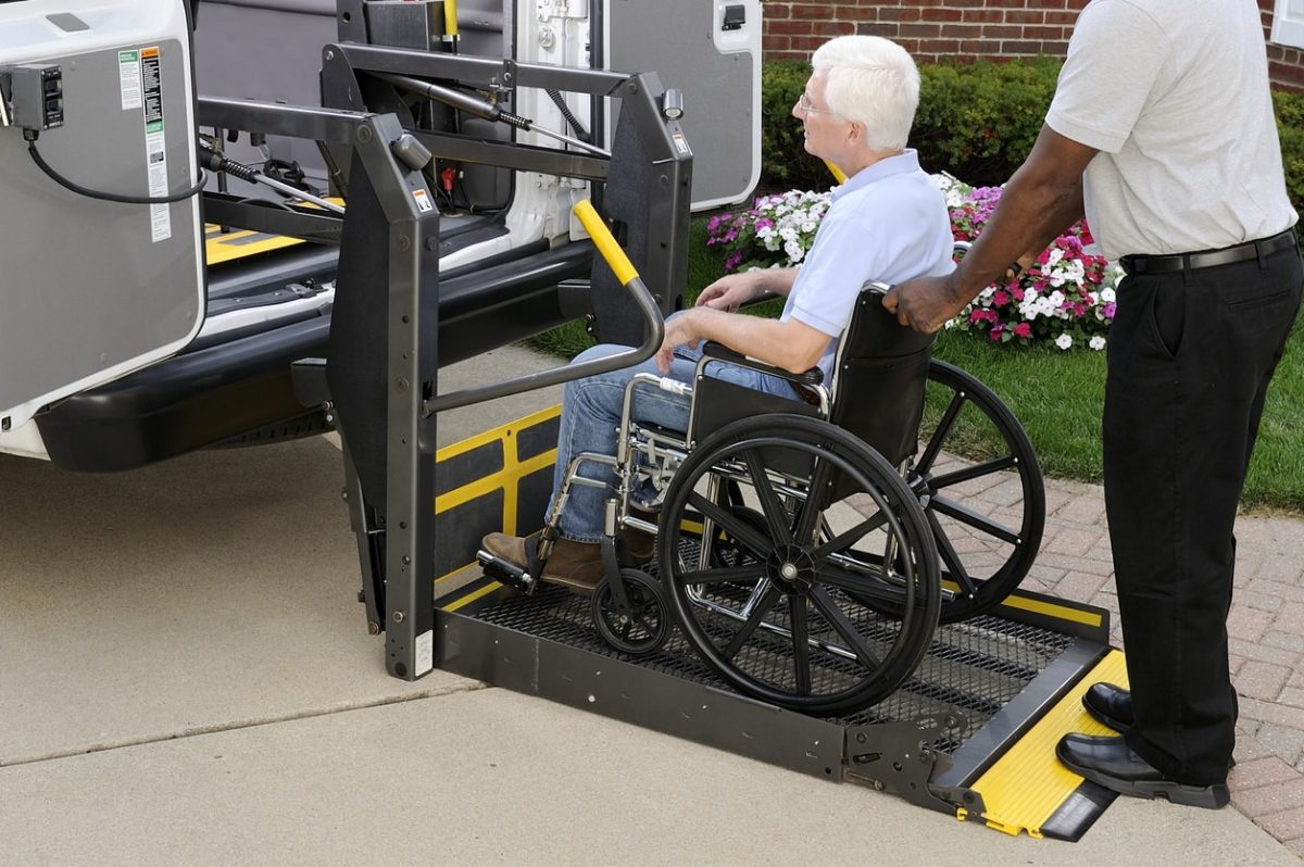 Why Assisted Living Facilities Need Proper Transport Procedures
